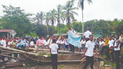Superado incidente con estudiantes de Tadó que tenían cerrada la vía que conduce a Pereira