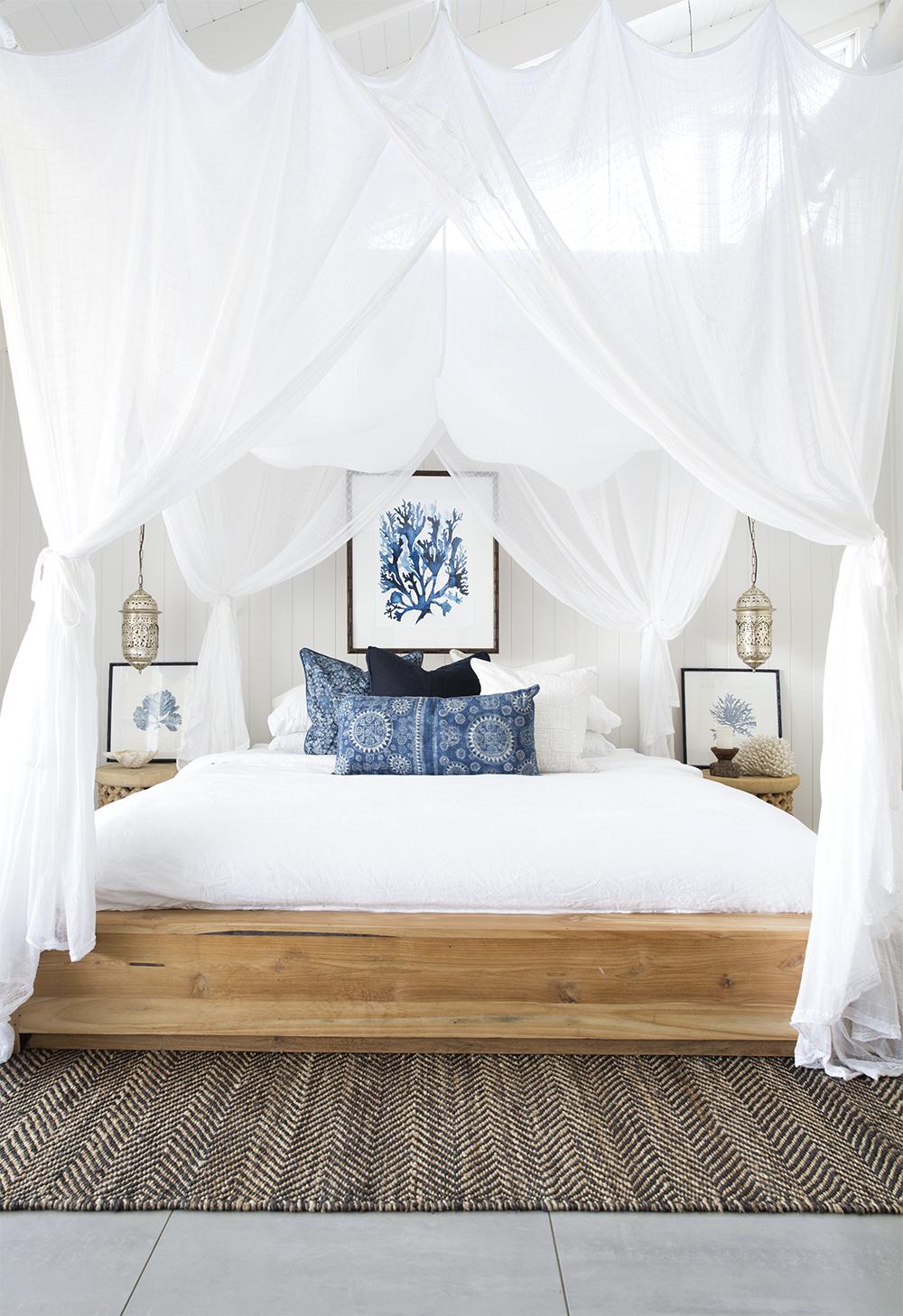 Coastal style mood indigo for Style o bedroom sax
