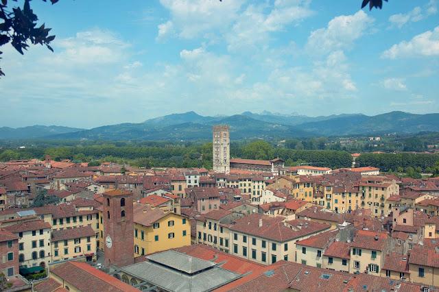 klimat włoskiego miasteczka, gdzie poznać