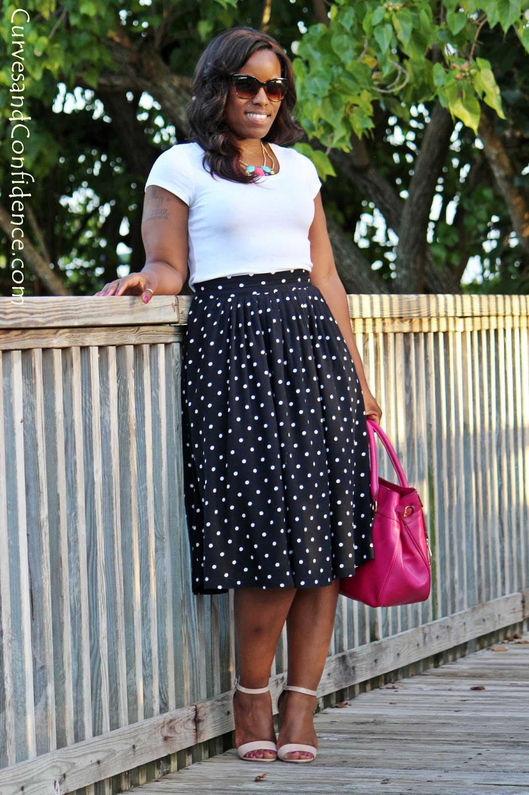 Skirts and Tee Shirts - Curves and Confidence - photo#36