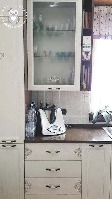 cucina shabby chic, decora facile, chalk paint, prima e dopo, casa facile
