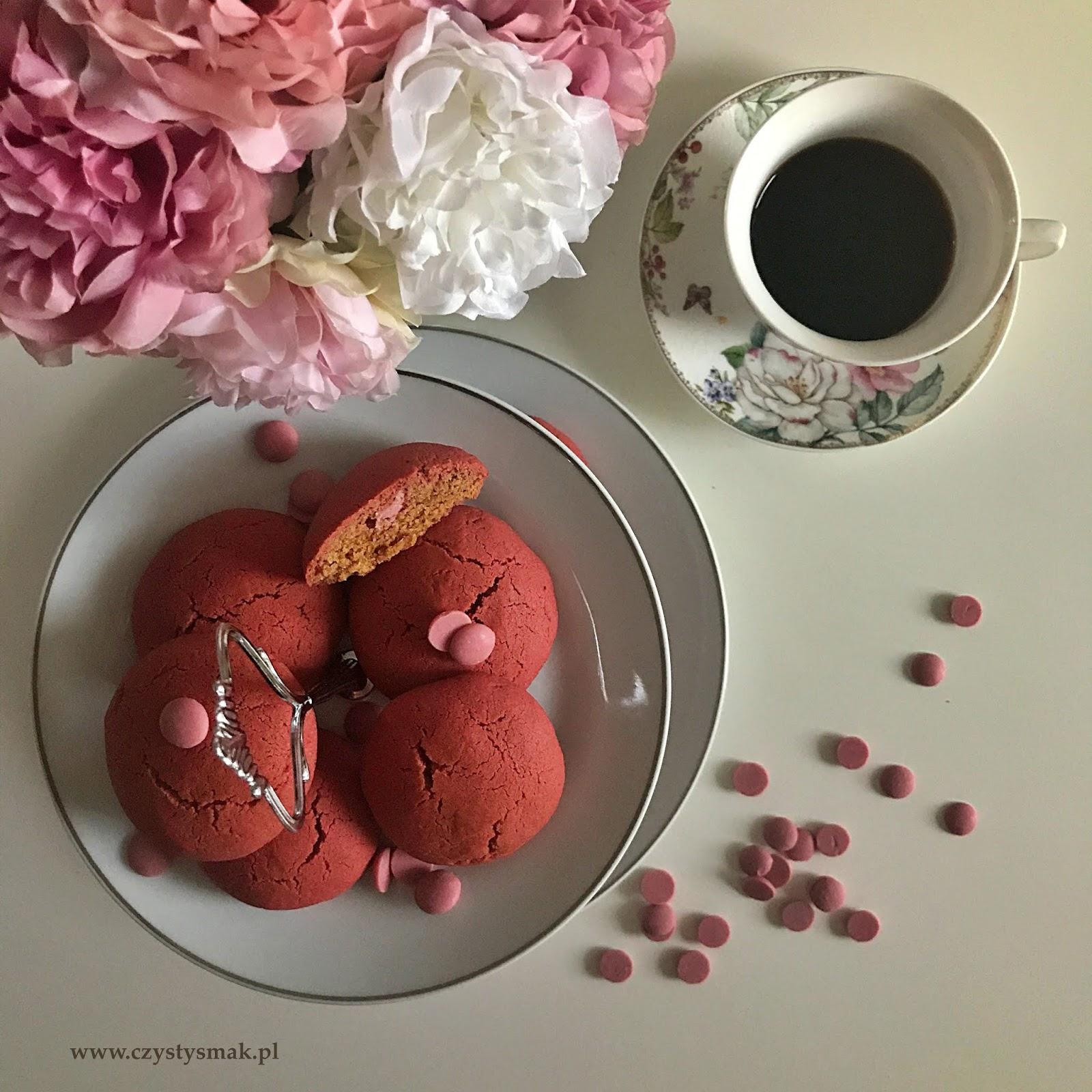 Różowe ciastka z buraków
