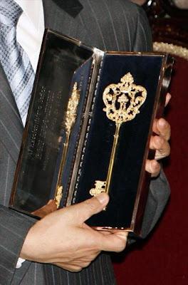 Benedicto XVI recibe la Llave de Madrid