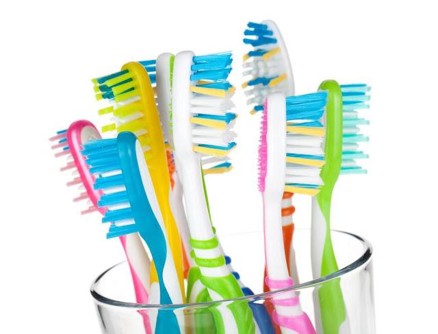 Καθαρίστε την οδοντόβουρτσά σας