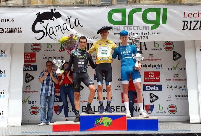 El corredor Carlos Rodríguez (Fundación Alberto Contador) conquista su segunda Bizkaiko Itzulia e iguala a Jonathan Castroviejo en el palmarés de la prueba