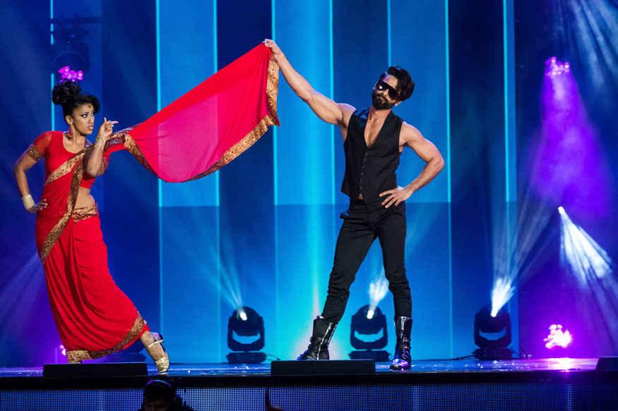 Katrina Kaif and Sonakshi Sinha and Diljit Dosanjh at 2017 IIFA Awards at MetLife Stadium
