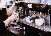 keuntungan bisnis cafe, usaha cafe, cara membuka cafe, cafe minimalis, cafe, cafe sederhana, usaha bisnis cafe