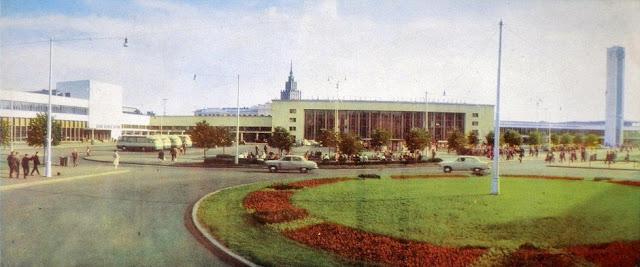 Весна-лето 1966 года. Рига. Привокзальная площадь.