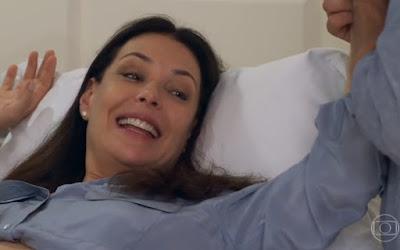 Penélope (Carolina Ferraz) se surpreenderá ao descobrir que está grávida em Haja Coração