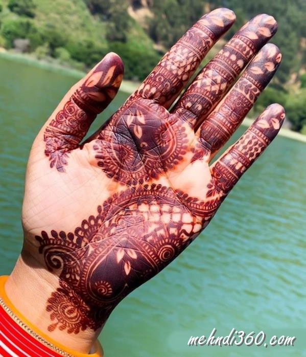 Heart Mehndi Design for Front Hand