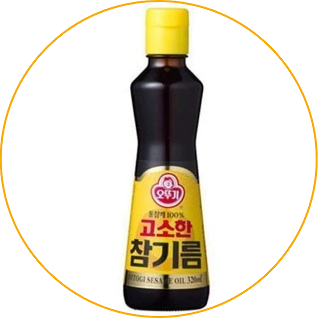 Ottogi Sesame Oil Ottogi Sesame Oil contains tocopherol which functions as an antioxidant to protect the body from free radicals. This product is also enriched with carotene which can maintain eye health, prevent heart disease, and boost the immune system.  For those of you who need the health benefits of sesame oil, this product can be chosen. Moreover, this product uses 100% pure sesame oil made from selected whole sesame seeds. The resulting taste is sweet and has a strong aroma.
