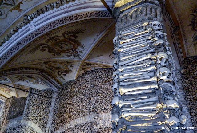 Capela dos Ossos de Évora, Portugal