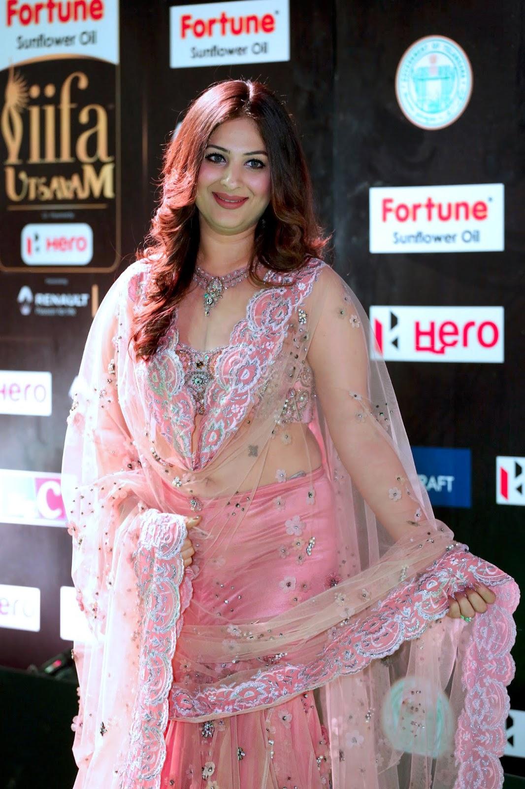 Gowri Munjal Very Beautiful Hot Curve In Pink Dress at IIFA Utsavam 2019