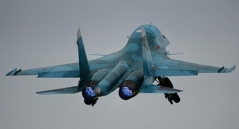 Πώς το Su-34 καταστρέφει στόχους στο έδαφος με πυραύλους (Βίντεο)