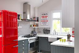 Desain Dapur Modern Minimalis Dengan Kulkas Cantik