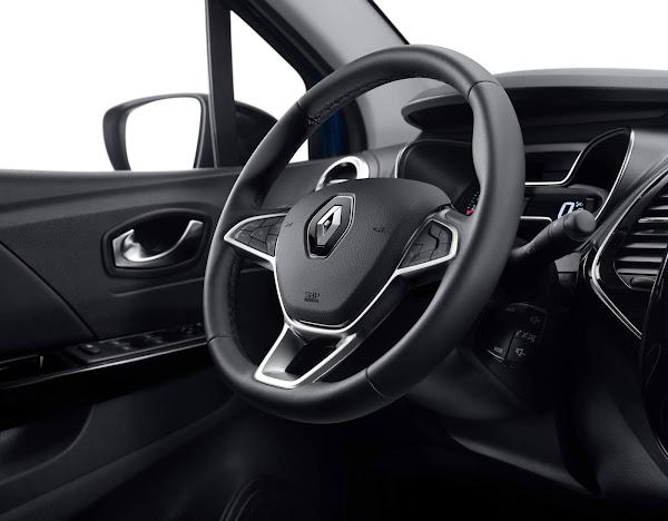 Novo Captur 2022 com motor turbo Mercedes já é produzido no Brasil
