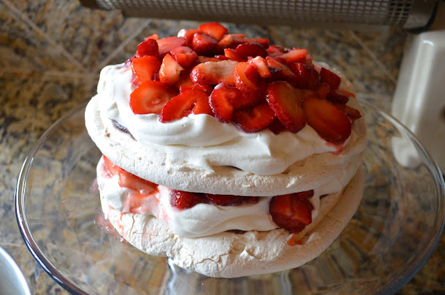 Boccone-Dolce-Recipe-Meringue-Whip-Cream-Strawberries.jpg