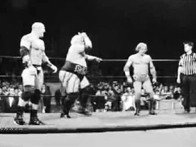 Johnny Stamboli, Rikishi e Italian Warrior alla XIW