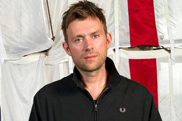 blur 2016, blur photos 1990s, comparison damon, damon albarn 2016, Damon Albarn in 2016 and the 1990s, damon albarn pictures,