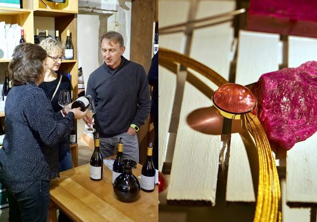 """Impression von der Wein- und Schmuck-Veranstaltung """"Edle Weine und edle Steine"""" an der Nahe."""