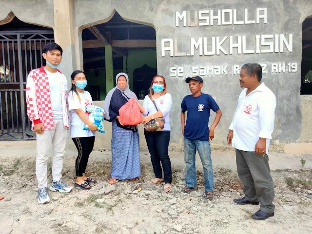 DPW Solmet Kepri Bagikan Paket Sembako Kepada Penjaga dan Petugas Kebersihan Masjid