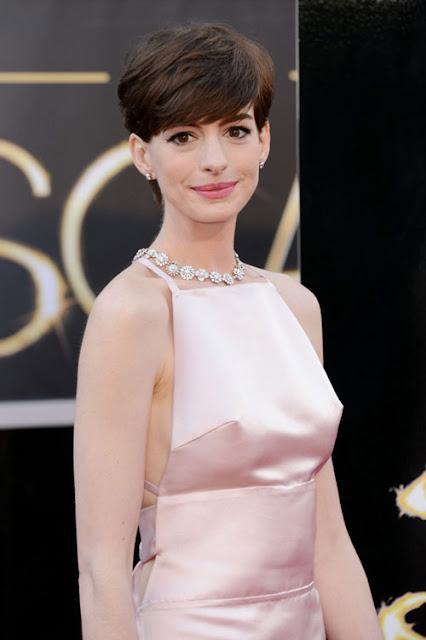Artis-artis Hollywood Yang Suka Tidak Memakai Bra