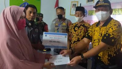 30 KK di Desa Pinceng Pute Kabupaten Bone Dapat BLT