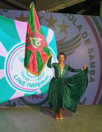 PROSA DO FOLIA: Manoela Cardoso, 1ª Porta-bandeira da Lins Imperial