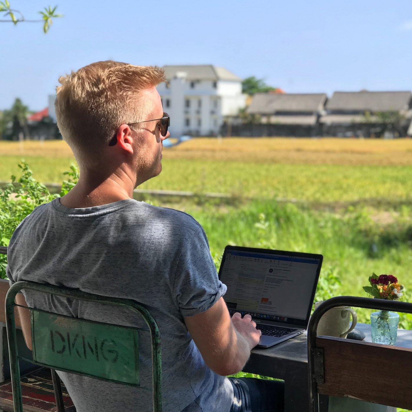 Wie halte ich mich im Ausland auf, ohne dass es mein Geschäftspartner merkt? | Update 2019