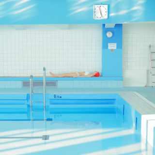 В бассейне. Мария Сварбова (фото)