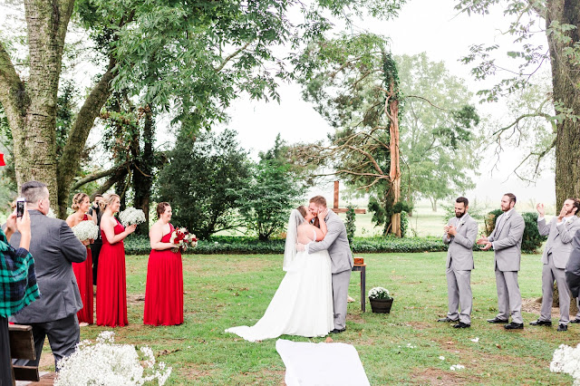 A Cranberry and Blue Autumn Wedding at Worsell Manor in Warwick, MD by Heather Ryan Photography