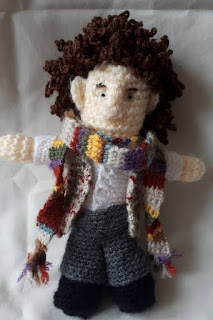 PATRON GRATIS 4TH DOCTOR | DOCTOR WHO AMIGURUMI 40604