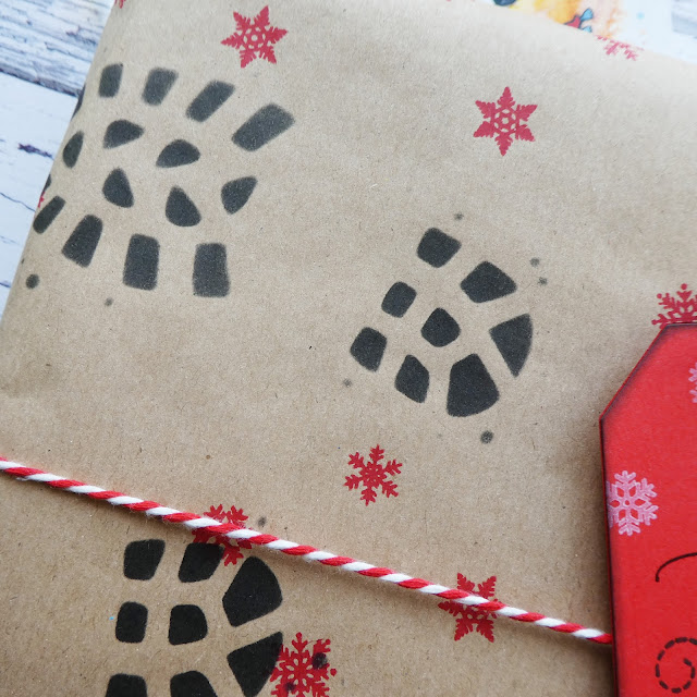 handmade gift wrapping | stamped | stamping | boot prints stencil