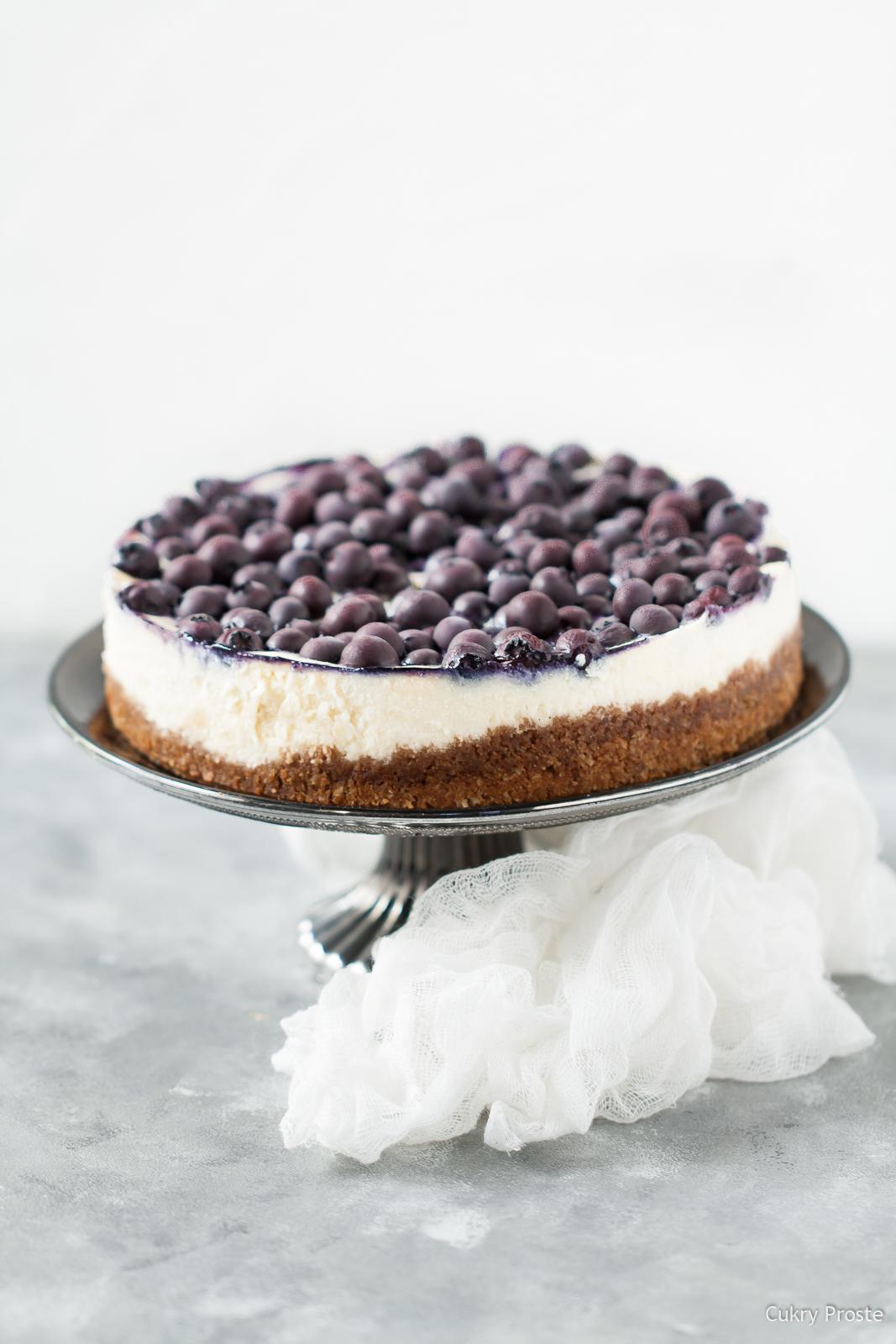Sernik z borówką i białą czekoladą
