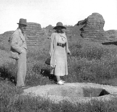 Agatha Christie y Max Mallowan en 1930