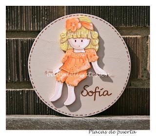 placa de puerta infantil nena sentada nombre Sofía babydelicatessen