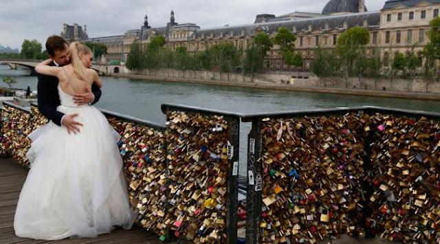 Jembatan-Cinta-di-Paris-Terancam-musnah