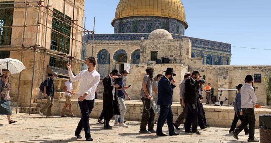 Meski Lockdown, Para Pemukim Yahudi Serbu Masuk Al-Aqsha