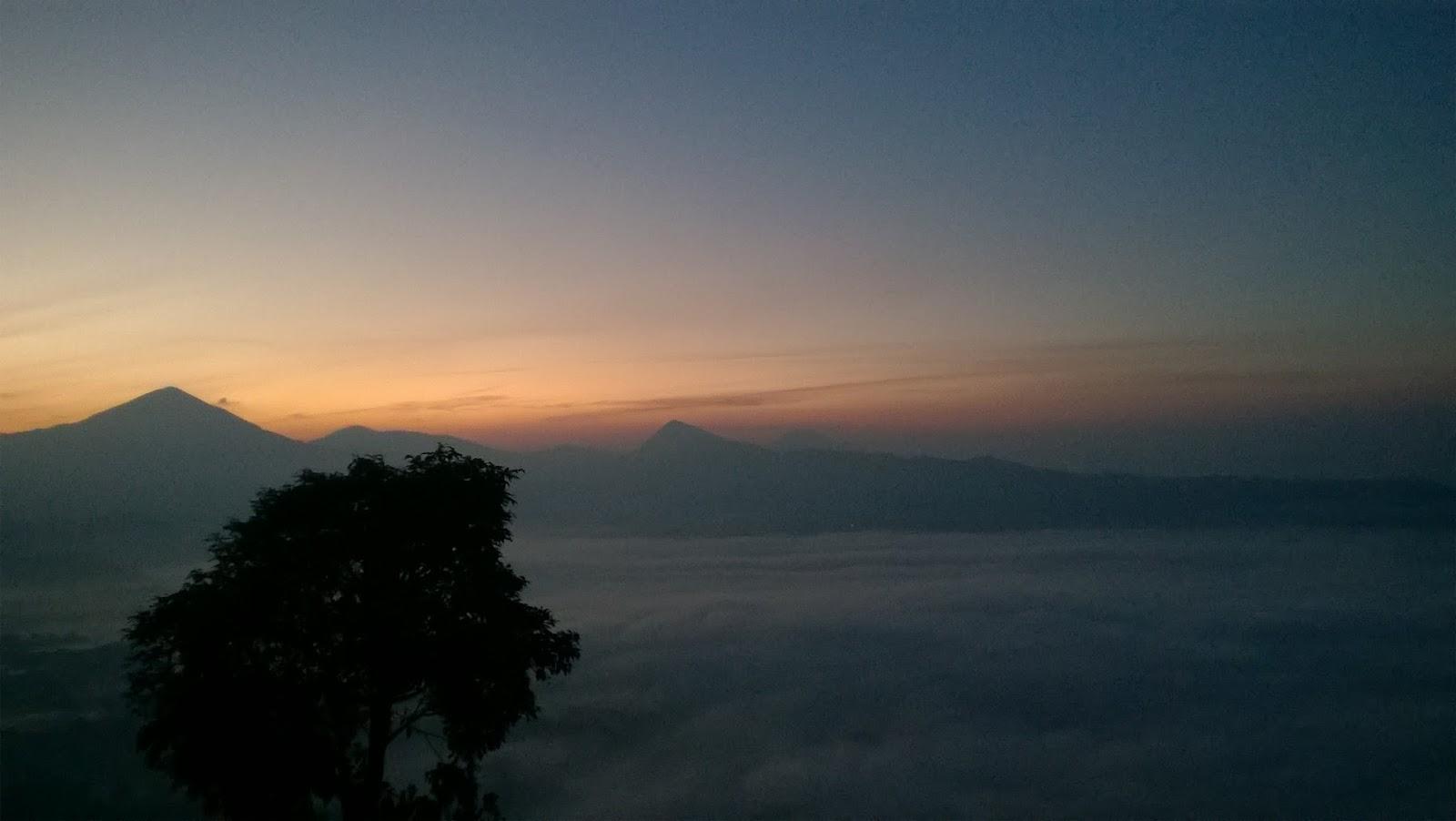Camping dan Sunrise di Gunung Putri Lembang