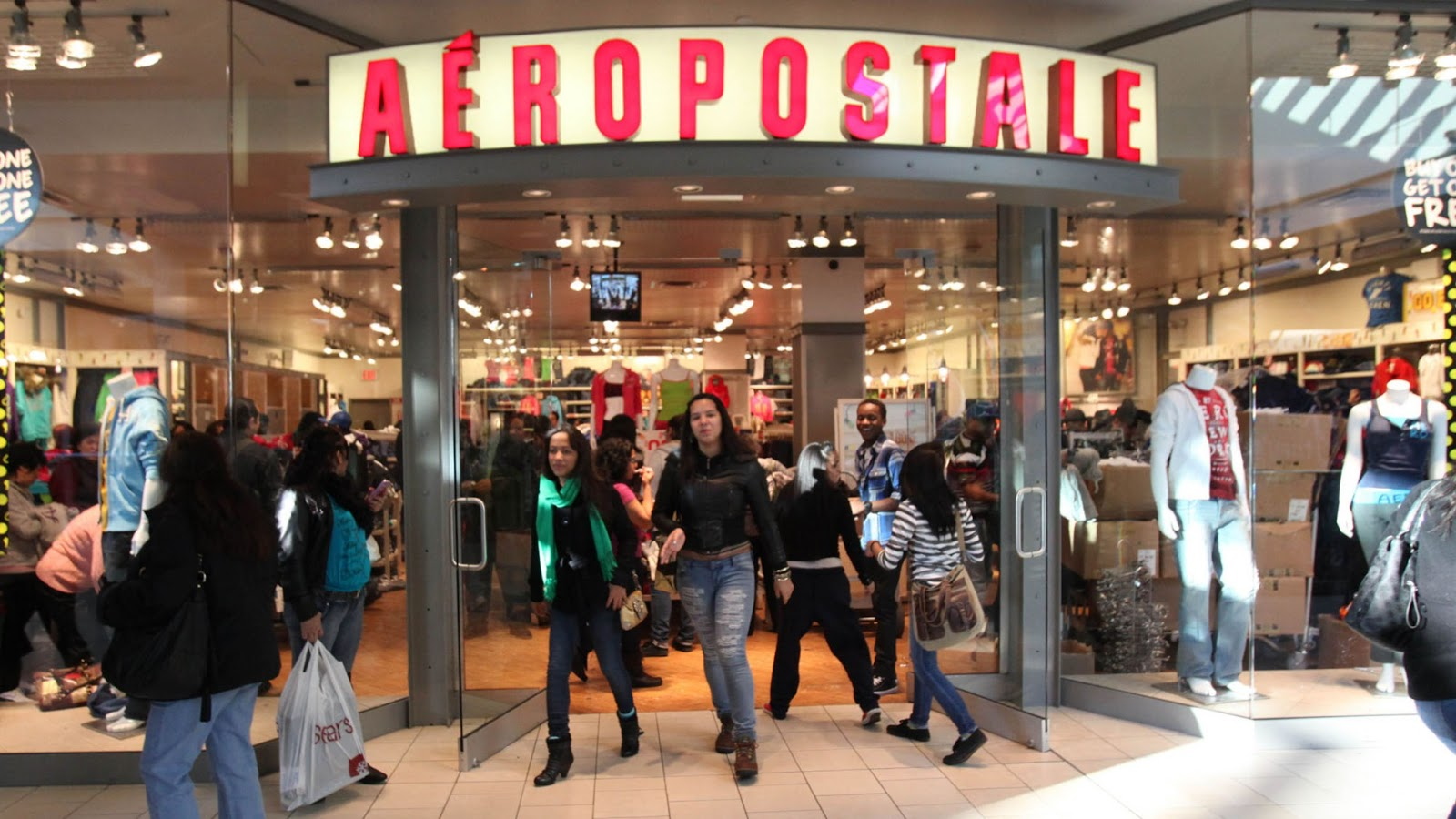 Aéropostale® is a specialty retailer of casual apparel and accessories, principally targeting young women and men. The brand features a focused selection of high quality fashion and fashion basics at compelling values in an innovative and exciting store environment.