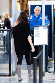 Khloe prepare to depart arrives LAX (PHOTOS)