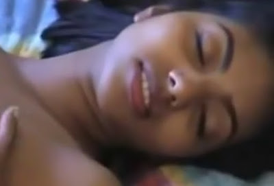 Sri Lankan Teen Girl With Her Boy Having Sex