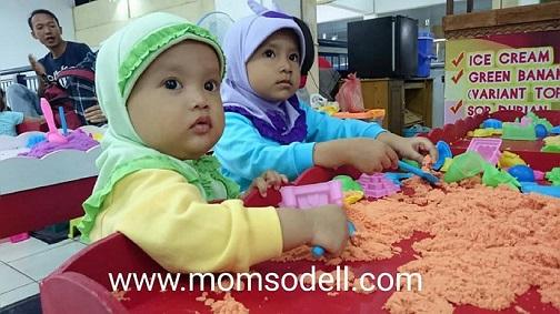 Bermain Pasir Kinetik Di Bengkulu Indah Mall, Mengasah Kreativitas dan Melatih Motorik Anak