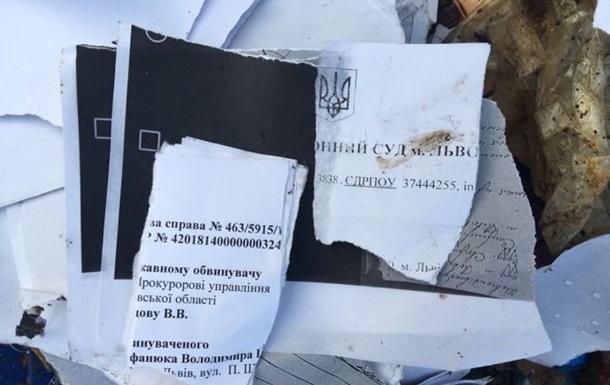 Львівське сміття потайки викинули в Тернопільській області
