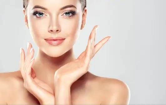 كيف تختارين مستحضرات التجميل المناسبة لبشرتك
