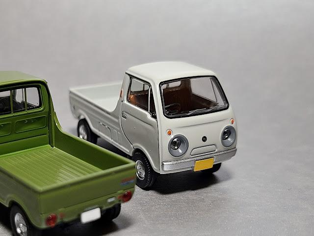 Tomica Limited Vintage Mazda Porter Cab