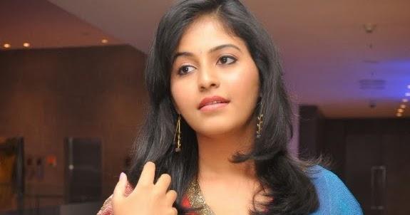 Actor Anjali Photos: Actress Anjali Cute Saree Photos