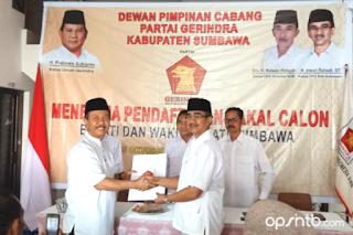 Moklis Serahkan Berkas Pendaftaran Calon Wakil Bupati ke DPC Gerindra Sumbawa