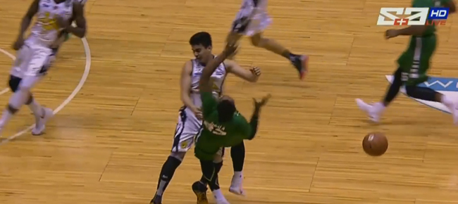 Louie Vigil's Unsportsmanlike Foul On Ben Mbala (VIDEO) UAAP Season 79
