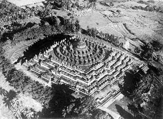 Sejarah ditemukannya Candi Borobudur yang legendaris